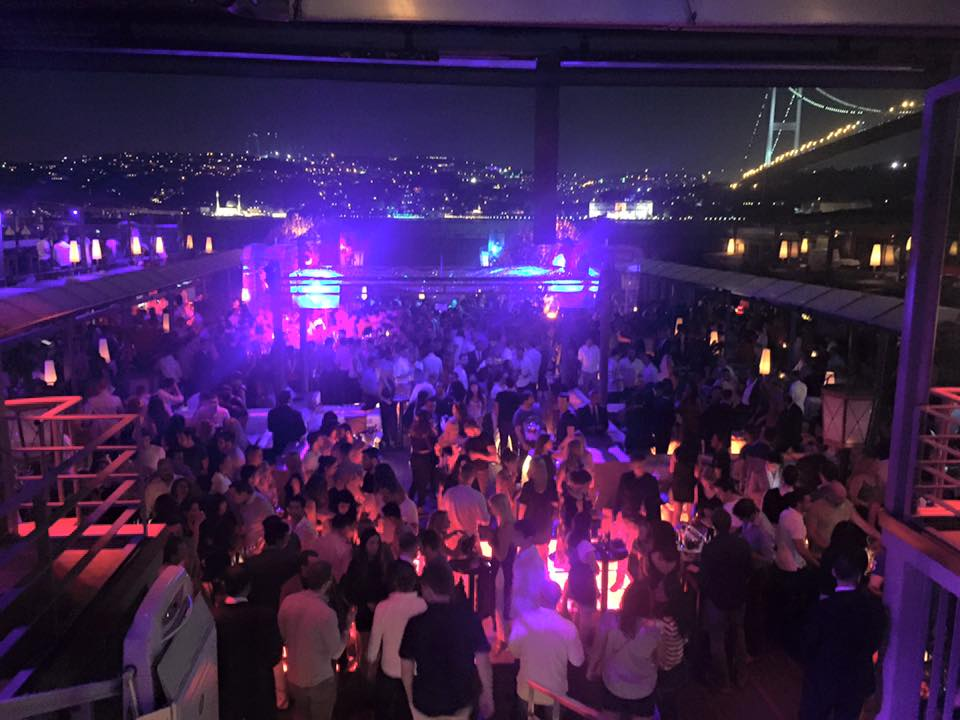 Nightlife in Istanbul, Turkey At Club Reina