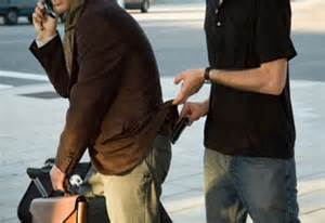 How to avoid pick-pocketing while traveling